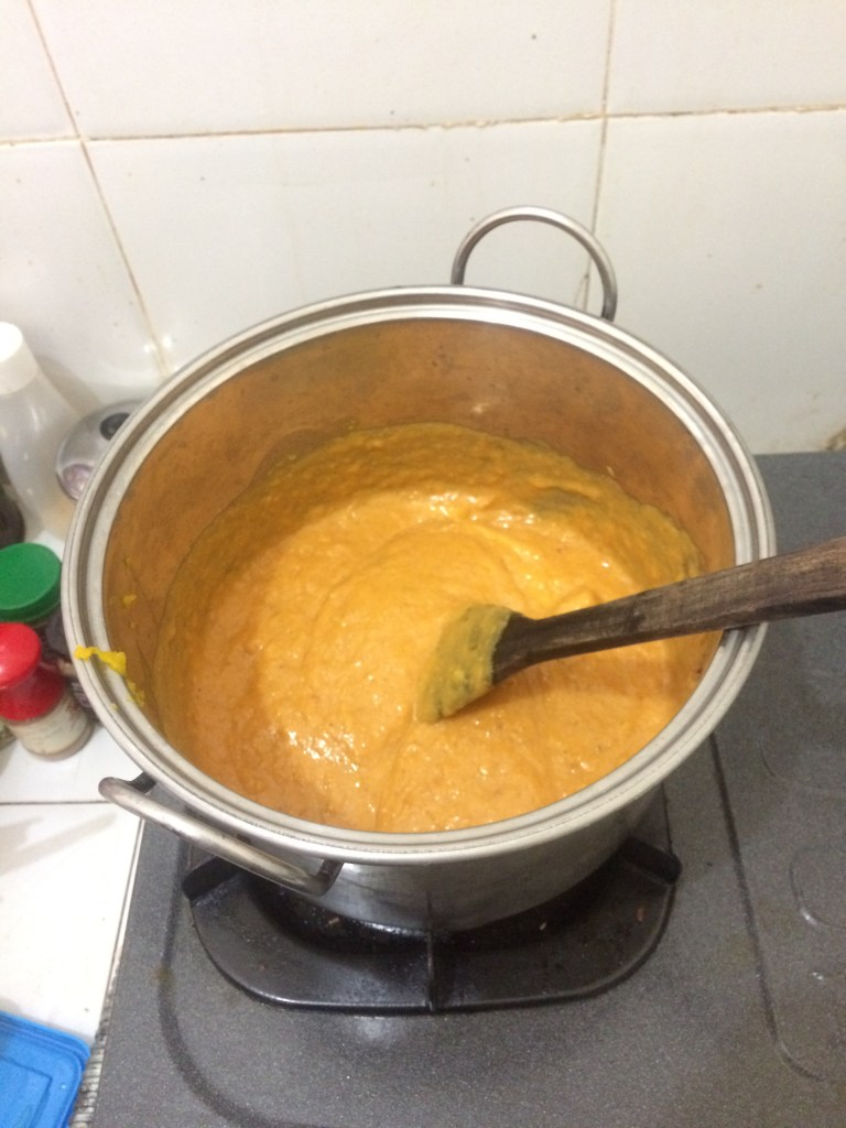Cooking the pumpkin mixture