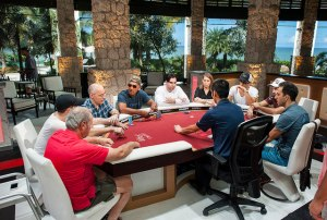 poker players b