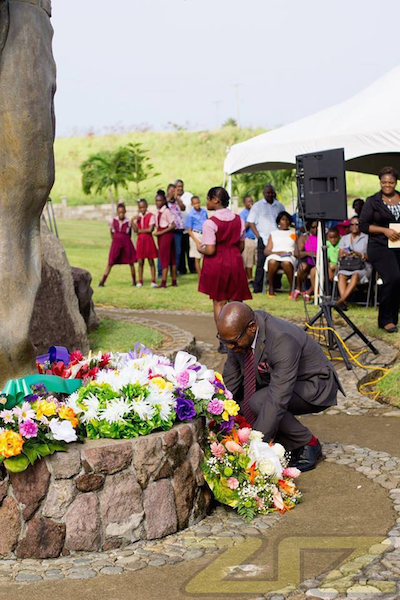 Leader of Opposition Lays Wreath copy 2