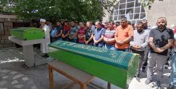 Nevşehir'de trafik kazasında ölen Parmak Ailesi  Derinkuyu'da toprağa verildi.