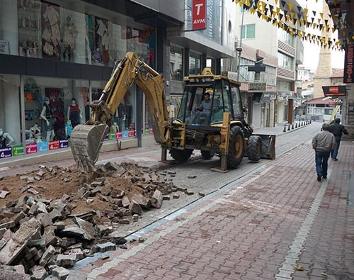 Ada Sokak-Tahmis Caddesi Ve Hastane Caddesi'nde Çalışmalar Başladı