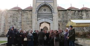 Uçhisarlı kadınlar Belediyenin kültür turu ile Mersin'de