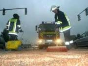 Feuerwehr-Olspurbeseitigung