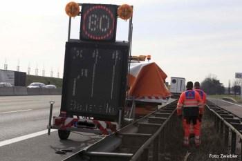 zwiebler 29-03-2012-bab-a8 sicherungsanhänger verkehrsunfall