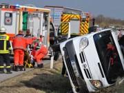 03-04-2012 Verkehrsunfall A96 mindelheim kleinbus feuerwehr new-facts-eu 0011