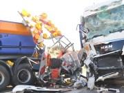 10-04-2012 verkehrsunfall BAB-A96 feuerwehr-leutkirch new-facts-eu 0045