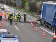 22-04-2012 verkehrsunfall lkw bab-a7 berkheim feuerwehr-erolzheim