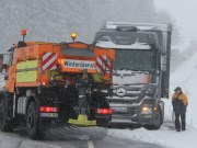04-12-2012 lkw schneeglaette untrasried new-facts-eu