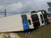 12-04-2013 laichingen alb-donau-kreis lkw-unfall bergung zwiebler facts-eu20130412 titel