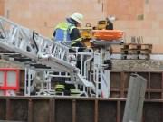 29-05-2013 unterallgäu memmingerberg arbeitsunfall schalung-schwerverletzt drehleiter-rettung poeppel new-facts-eu20130529 titel