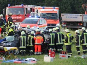 19-06-2013 unterallgau pfaffenhausen kirchheim unfall 5-verletzte-eingeklemmt poeppel new-facts-eu20130619 titel