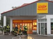 08-09-2013 unterallgau mindelheim netto-markt rauchentwicklung feuerwehr-mindelheim poeppel new-facts-eu20130908 titel