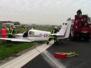 10-04-2014 friedrichhafen flugplatz flugunfall fahrwerk feuerwehr polizei pressefoto new-facts-eu