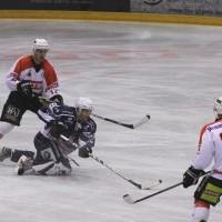 03-11-2013_memmingen_eishockey_indians_ecdc_ev-lindau_niederlage_fuchs_new-facts-eu20131103_0048