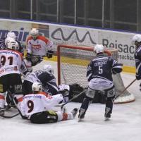 03-11-2013_memmingen_eishockey_indians_ecdc_ev-lindau_niederlage_fuchs_new-facts-eu20131103_0061