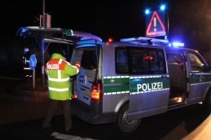 08-01-2014_b19-waltenhofen_unfall_verletzte_feuerwehr_poeppel_new-facts-eu20140108_0013