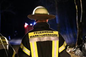 Hörmannshofen - Pkw prallt gegen Baum -zwei schwerverletzte junge Männer