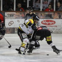 12-01-2014_allgau-derby_eishockey_indians_ecdc-memmingen_erc-sonthofen_niederlage_poeppel_new-facts-eu20140112_0008