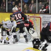 12-01-2014_allgau-derby_eishockey_indians_ecdc-memmingen_erc-sonthofen_niederlage_poeppel_new-facts-eu20140112_0032