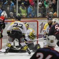 12-01-2014_allgau-derby_eishockey_indians_ecdc-memmingen_erc-sonthofen_niederlage_poeppel_new-facts-eu20140112_0035