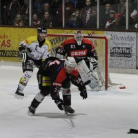 12-01-2014_allgau-derby_eishockey_indians_ecdc-memmingen_erc-sonthofen_niederlage_poeppel_new-facts-eu20140112_0038