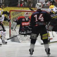 12-01-2014_allgau-derby_eishockey_indians_ecdc-memmingen_erc-sonthofen_niederlage_poeppel_new-facts-eu20140112_0078