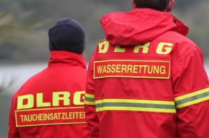 12-10-2013_dlrg-memmingen_bezirk-schwaben_ausbildung-rettungstaucher_poeppel_groll_new-facts-eu20131012_0062