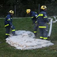 13-09-2013_unterallgau_ettringen_katastrophenschutzteilubung_dammsicherung_kreisbrandinspektion_landratsamt_poeppel_new-facts-eu20130913_0067