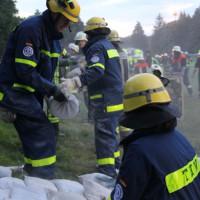 13-09-2013_unterallgau_ettringen_katastrophenschutzteilubung_dammsicherung_kreisbrandinspektion_landratsamt_poeppel_new-facts-eu20130913_0068