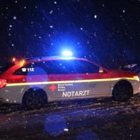 14-01-2014_ostallgaeu_oberguenszburg_st2055_schneeglaette_unfall_feuerwehr_poeppel_new-facts-eu20140114_0012