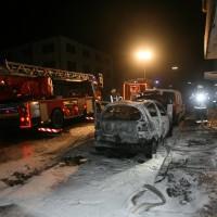 Neu-Ulm Gartenstrasse, PKW brennt aus