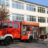 2014041111-04-2014_neu-ulm_altenstadt_brand_schule_b5_feuerwehr_rettungsdienst_poeppel_new-facts-eu_0016
