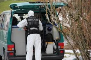 21-12-2013_allgau_kempten_mord_polizeiaktion_absuche_spurensicherung_poeppel_new-facts-eu20131222_0030