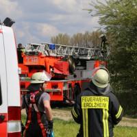23-04-2014-biberach-kirchberg-hochspannungsleitung-unfall-arbeiter-feuerwehr-poeppel_new-facts-eu_0024