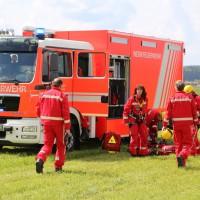 23-04-2014-biberach-kirchberg-hochspannungsleitung-unfall-arbeiter-feuerwehr-poeppel_new-facts-eu_0070