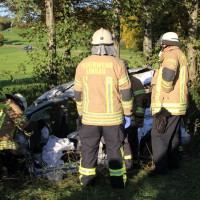 B31-Lindau - Schwerer Lkw-Unfall führt zur Vollsperrung - drei Verletzte, zum Teil schwerst