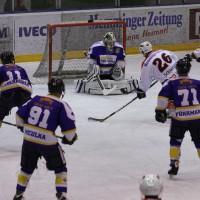 29-11-2013_ecdc-memmingen_eishockey_indians_ehc-waldkraigburg_bel_fuchs_new-facts-eu20131129_0034