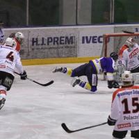 29-11-2013_ecdc-memmingen_eishockey_indians_ehc-waldkraigburg_bel_fuchs_new-facts-eu20131129_0041