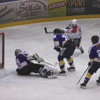 29-11-2013_ecdc-memmingen_eishockey_indians_ehc-waldkraigburg_bel_fuchs_new-facts-eu20131129_0089