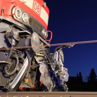 Sontheim - Zwei junge Männer werden im Pkw von Regionalzug erfasst