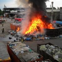 28-06-2014-ravensburg-brand-entsorgungsbetrieb-feuerwehr-new-facts-eu (1)