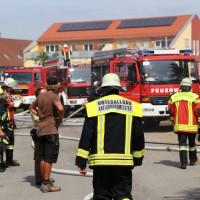 28-06-2014-unterallgaeu-groenenbach-heustock-bauernhof-feuerwehr-poeppel-new-facts-eu20140628_0007