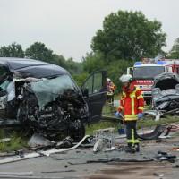 02-07-2014-a7-nersingen-unfall-lkw-verletzte-pkw-feuerwehr-zwiebler-new-facts-eu20000101_0028