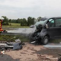 02-07-2014-a7-nersingen-unfall-lkw-verletzte-pkw-feuerwehr-zwiebler-new-facts-eu20140702_0007