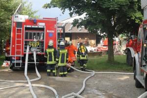12-07-2014-biberach-dissenhausen-brand-bauernhof-feuerwehr-new-facts-eu20140712_0009