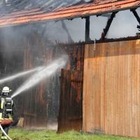 02-08-2014-unterallgaeu-greimeltshofen-brand-stadel-feuerwehr-wis-new-facts-eu_009