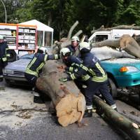 03-08-2014-kempten-allgaeu-katastrophenschutzuebung-feuerwehr-thw-brk-juh-festwoche-groll073