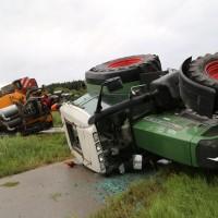 26-08-2014-mindelheim-b18-anna-unfall-traktor-guellefass-sperrung-polizei-poeppel-new-facts-eu (3)