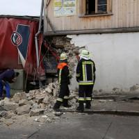02.12.2014 LKW-in-Haus-Totalschaden-Fahrer-tot-Feuerwehr-Polizei- Rettungsdienst-Halblech-Vollsperrung-Bringezu-New-facts (10)