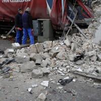 02.12.2014 LKW-in-Haus-Totalschaden-Fahrer-tot-Feuerwehr-Polizei- Rettungsdienst-Halblech-Vollsperrung-Bringezu-New-facts (2)